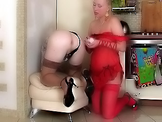 Minna&Tobias strapon sissysex video