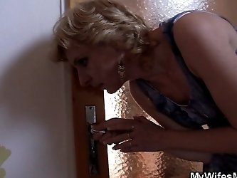 Naughty dude bangs MILF