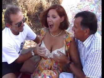 Mature Gangbang with Jolly Experienced Slut DP and Fucked by Three Cocks
