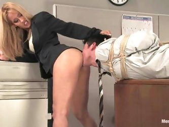 Gorgeous and sassy blondie Isis Love is making fun on Johny Law