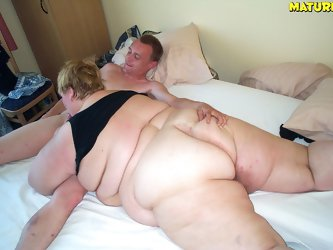 Huge fat mature slut getting nasty during sex