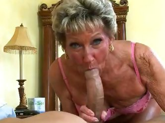 This granny is feeling kinky and wants some action in her old pussy. Watch her get banged in bed after sucking this guy's big shaft!