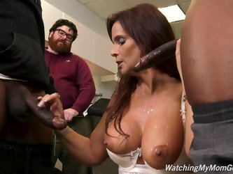 Hardcore gangbang and loads of cum for MILF Syren Demer
